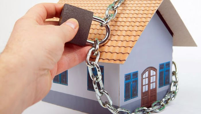 Proteja sua casa na sua ausência